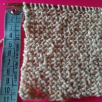 Come si calcolano gli aumenti e le diminuzioni nel lavoro a maglia ?